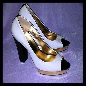 Mossimo white black gold peep toe chunky heel 8